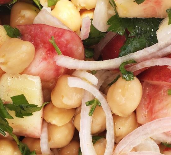 Chickpeas and Peach Salad Recipe